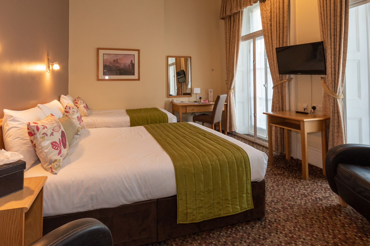 Hyde Park Junior Family Rooms